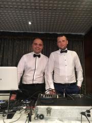Диджей Станислав и Диджей Янко - Професионален Диджей и водещ за Вашата сватба в Пловдив